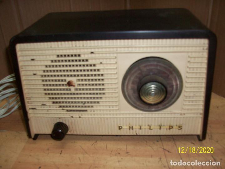 ANTIGUA RADIO PHILIPS-MODELO B 1 E 82U- A REVISAR (Radios, Gramófonos, Grabadoras y Otros - Radios de Válvulas)