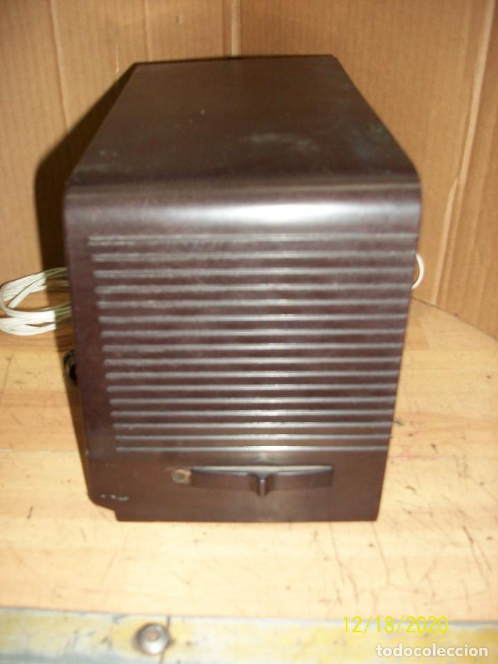 Radios de válvulas: ANTIGUA RADIO PHILIPS-MODELO B 1 E 82U- A REVISAR - Foto 3 - 230772220