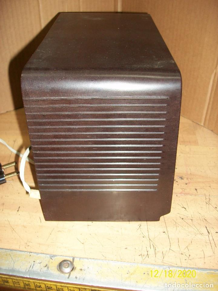 Radios de válvulas: ANTIGUA RADIO PHILIPS-MODELO B 1 E 82U- A REVISAR - Foto 4 - 230772220