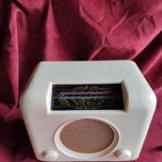 Radios de válvulas: RADIO BUSH DAC90 IVORY, 1950/59 .EXCELENTE Y FUNCIONANDO ( VER VIDEO). Lote 231159305