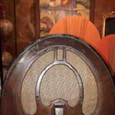 Radios de válvulas: RADIO DE CAPILLA PHILCO. Lote 232145520