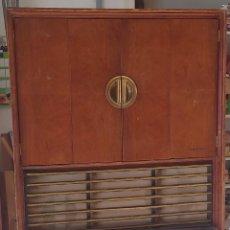 Radios de válvulas: TELEFUNKEN, ANTIGUO MUEBLE CON RADIO. Lote 232475298
