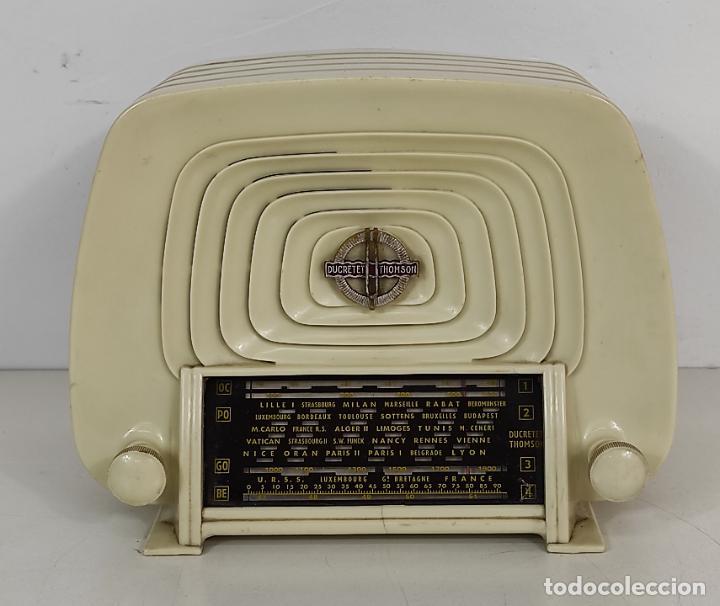 ANTIGUA RADIO FRANCESA - DUCRETET THOMSON L 2523 - BAQUELITA - AÑO 1955 (Radios, Gramófonos, Grabadoras y Otros - Radios de Válvulas)