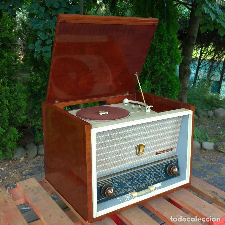 Radios de válvulas: Radio antigua con giradiscos RADIOLA - Foto 4 - 234562370