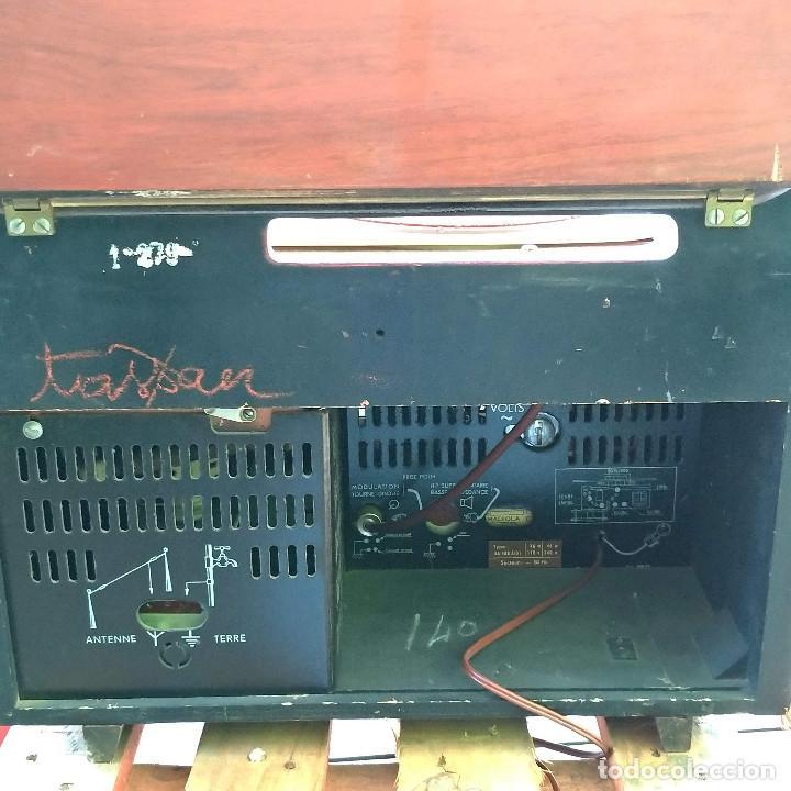Radios de válvulas: Radio antigua con giradiscos RADIOLA - Foto 6 - 234562370