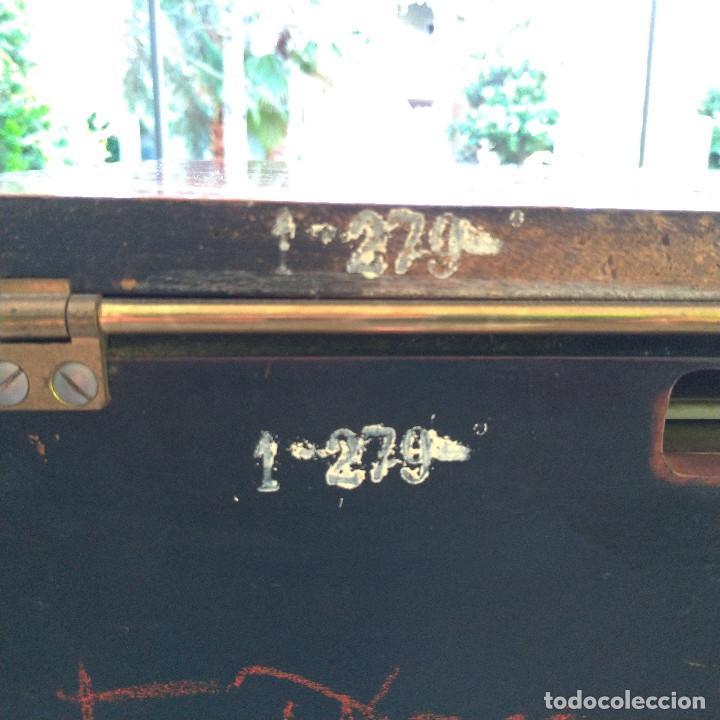 Radios de válvulas: Radio antigua con giradiscos RADIOLA - Foto 9 - 234562370