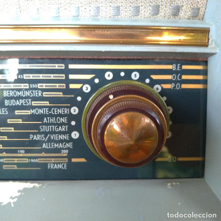 Radios de válvulas: Radio antigua con giradiscos RADIOLA - Foto 11 - 234562370