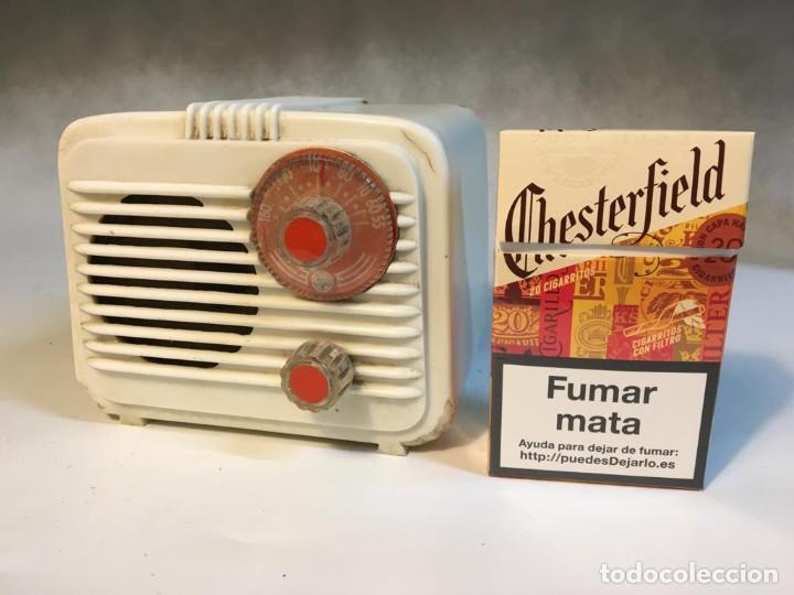 ANTIGUA RADIO DE VALVULAS TIPO PERIQUITO O BARBIE (Radios, Gramófonos, Grabadoras y Otros - Radios de Válvulas)