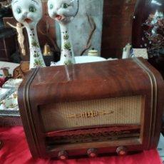 Radios à lampes: IMPRESIONANTE MINI RADIO ANTIGUA DE VÁLVULAS. Lote 235174505