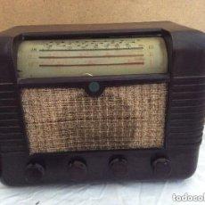 Radios de válvulas: RADIO A VALVULAS MARCONI MODELO P51BA CAJA DE BAQUELITA DEL AÑO 1949. Lote 235339690