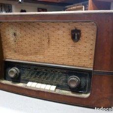 Radios de válvulas: ANTIGUA RADIO MARCA BRAUN. Lote 235953970
