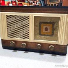 Radios de válvulas: ANTIGUA RADIO MARCA VICA - AÑO 1960. Lote 235954555
