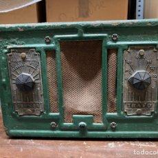 Radios de válvulas: CROSLEY TRAVO. Lote 236182370