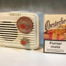 Radios de válvulas: ANTIGUA RADIO DE VALVULAS TIPO PERIQUITO O BARBIE. Lote 236466620