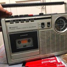 Radios de válvulas: RADIO CASETTE SANYO - DESCONOZCO SI FUNCIONA. Lote 236780120