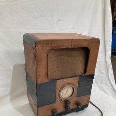 Radios de válvulas: ANTIGUA RADIO DE SEMICAPILLA!MADERA!. Lote 236792385