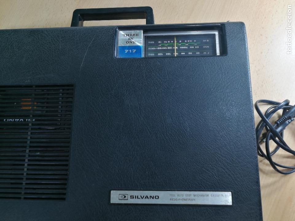 Radios de válvulas: RADIO TOCADISCOS CASETE DE MALETIN SILVANA - Foto 12 - 240956255
