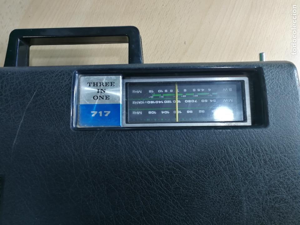 Radios de válvulas: RADIO TOCADISCOS CASETE DE MALETIN SILVANA - Foto 13 - 240956255