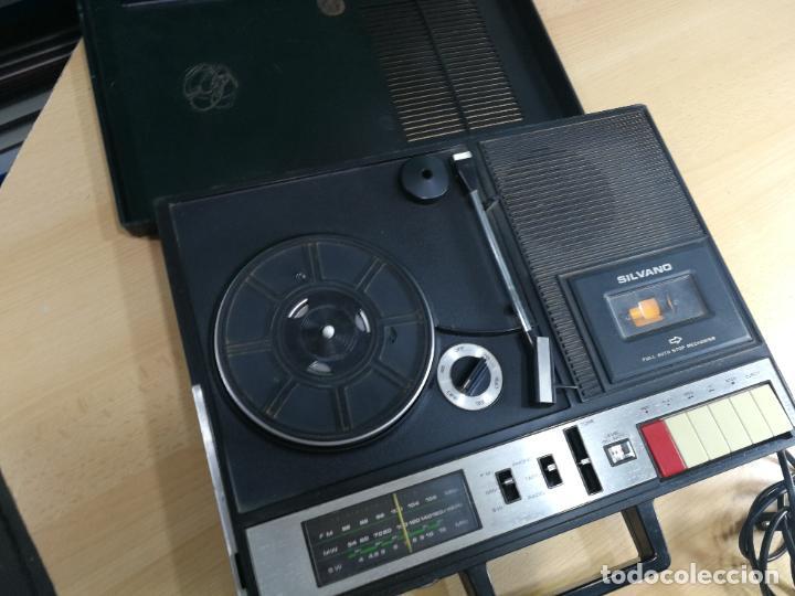 Radios de válvulas: RADIO TOCADISCOS CASETE DE MALETIN SILVANA - Foto 34 - 240956255