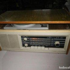 Radios de válvulas: MUY BONITO RADIO Y TOCADISCOS ,FUNCIONANDO ... VER. Lote 242129430