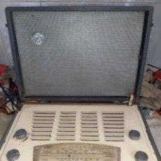 Radios de válvulas: RADIO VIDOR HENLEY CN 426, FUNCIONA ALTO Y CLARO. Lote 242301630