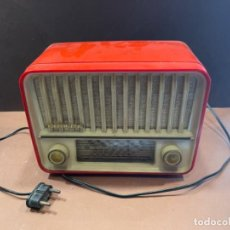 Radios de válvulas: RADIO TELEFUNKEN PANCHITO U-1915 COLOR ROJO NARANJA MED.: 22X14X11 CMS. -ORIGINAL ÉPOCA- (G). Lote 243818855