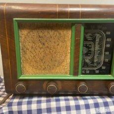 Radios de válvulas: ANTIGUA RADIO DE VÁLVULAS EN BUEN ESTADO SIN PROBAR. Lote 244598195