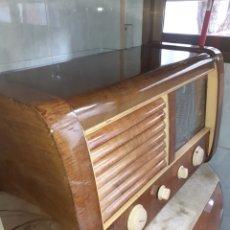 Radios de válvulas: RADIO LA VOZ DE SU AMO, MUY BUEN ESTADO.. Lote 245279820
