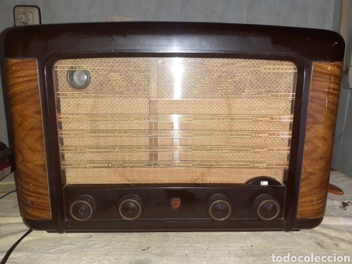 Radios de válvulas: Radio Philips BX490A, funciona, año 1949. - Foto 2 - 245445990