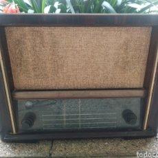 Radios de válvulas: ANTIGUA RADIO TELEFUNKEN 667-A CONSTELACIÓN FUNCIONANDO. Lote 245607450