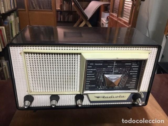 APARATO DE RADIO AÑOS 50: RADIOLA TIPO RA 268 V. (Radios, Gramófonos, Grabadoras y Otros - Radios de Válvulas)
