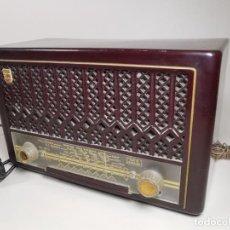 Radios de válvulas: ANTIGUA RADIO PHILIPS MOD. BE-221-U - - PHILIPS IBÉRICA, COPRESA, 1952 BAKELITA---REF-MO. Lote 248285825