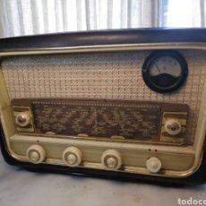 Radios de válvulas: RADIO ANTIGUA BAQUELITA. Lote 252149845