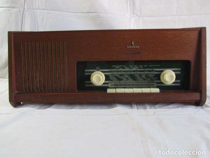 Radios de válvulas: Radio de madera y válvulas Siemens Spezialsuper TYP RB11, funcionando - Foto 2 - 252793940