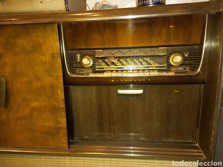 Radios de válvulas: mueble con radio antigua - Foto 3 - 56887410