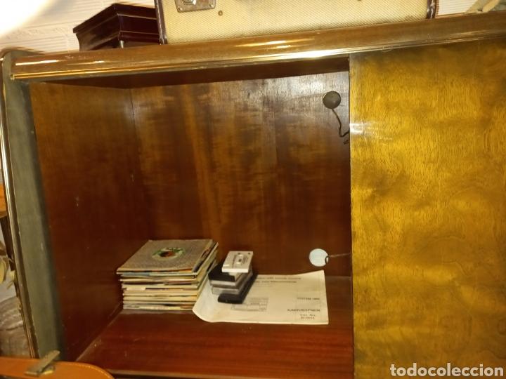 Radios de válvulas: mueble con radio antigua - Foto 4 - 56887410