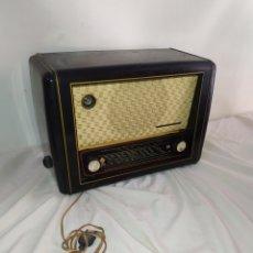 Radios de válvulas: ANTIGUA RADIO DE VÁLVULAS TELEFUNKEN. Lote 254350960