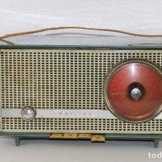 Radios de válvulas: RADIO DE VÁLVULAS EN BAQUELITA MARCA PHILIPS MODELO B2E14A. AÑOS 60. Lote 254888525