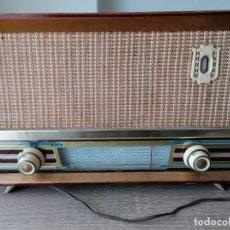 Radios de válvulas: RADIO ANTIGUO DE VALVULAS SIN MARCA CONCRETA MODELO R- 34.FUNCIONANDO.. Lote 255401080