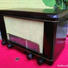 Radios de válvulas: RADIO ANTIGUA PHILIPS. Lote 257326105