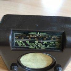 Radios de válvulas: RÉPLICA RADIO ANTIGUA FUNCIONA A PILAS 10X8CM. Lote 257662470