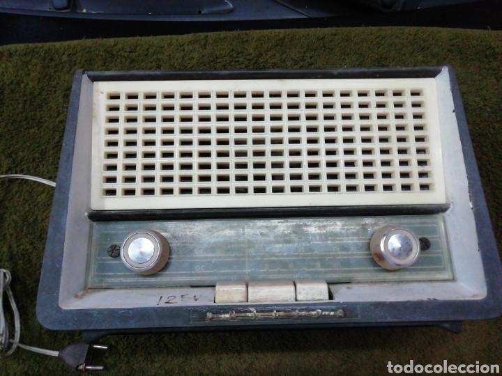 RADIO PHILIPS, DE BAQUELITA ANTIGUA (Radios, Gramófonos, Grabadoras y Otros - Radios de Válvulas)