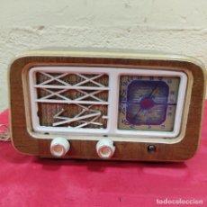 Radio a valvole: ANTIGUA RADIO MELODIAL (2639/21). Lote 258499130