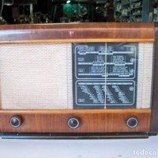 Radios de válvulas: ANTIGUA RADIO PHILIPS BE-472-A. Lote 259935885