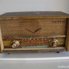 Radios de válvulas: ANTIGUA RADIO DE MADERA INTER CEYLAN M 231 0 VER FOTOS PARA PIEZAS O RESTAURAR. Lote 260312260