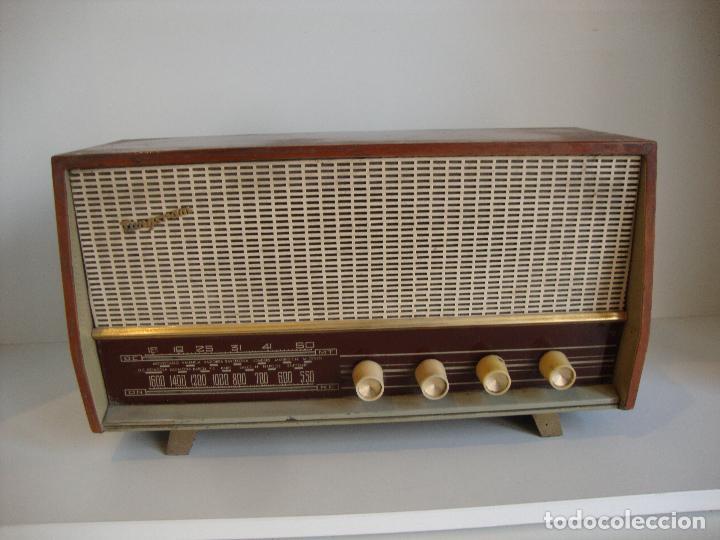 ANTIGUA RADIO DE MADERA TUNGSRAM VER FOTOS PARA PIEZAS O RESTAURAR (Radios, Gramófonos, Grabadoras y Otros - Radios de Válvulas)