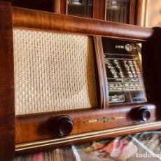 Radios de válvulas: RADIO ANTIGUA LOEWE OPTA RHEINGOLD 3852W. Lote 261248770