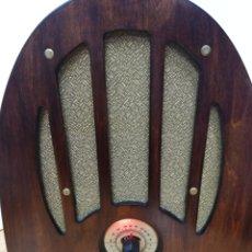 Radios de válvulas: ANTIGUA RADIO CAPILLA PHILCO A VÁLVULAS.. Lote 261689670