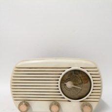 Radios de válvulas: RADIO DE VÁLVULA BLANCA. FUNCIONANDO 125V.. Lote 261793325
