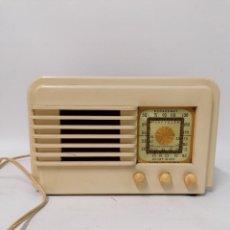Radios de válvulas: MUY RARA RADIO DE VÁLVULA EN BAQUELITA BLANCA. NO COMPROBADA. Lote 261793405